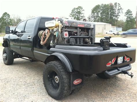 welding truck beds chevy duramax 3500 welding and welding rigs pinterest