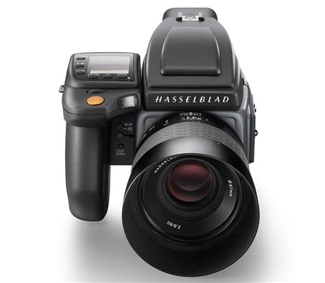 hasselblad medium format two hasselblad h6d medium format cameras announced h6d