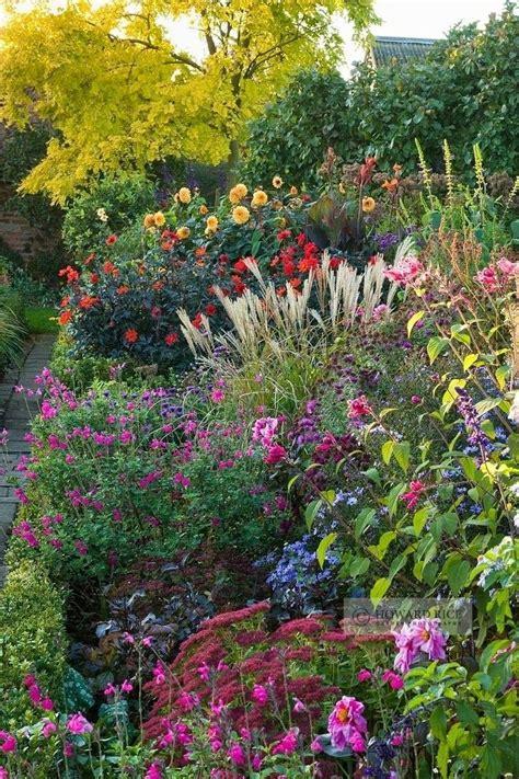 Pretty Garden Flowers Beautiful Cottage Garden Landscape Backyard Sideyard Garden Pi