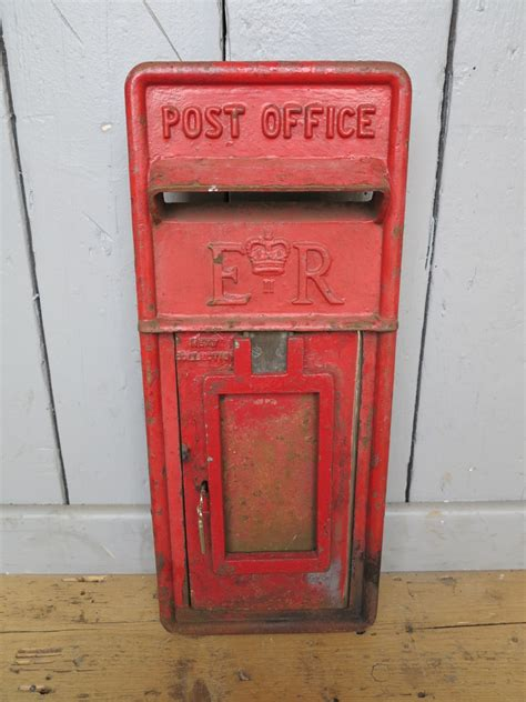 royal mail post office er post box front 7744