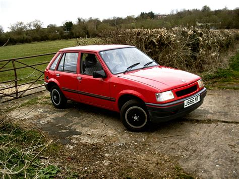 vauxhall nova swing file 1992 vauxhall nova 5 door jpg wikimedia commons