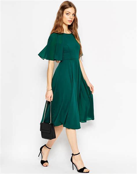 Sleeve Lace Up Midi Dress asos lace up back kaftan sleeve midi dress in green ivory