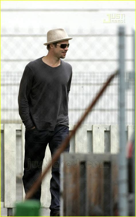 full sized photo of brad pitt fedora sunglasses 11 photo