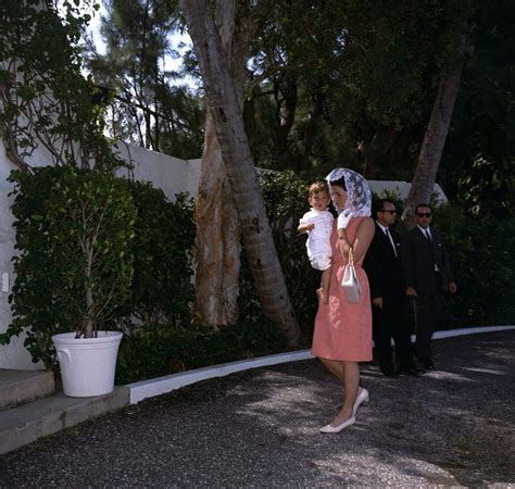 St Jackie president kennedy family attend mass in palm f kennedy presidential library museum