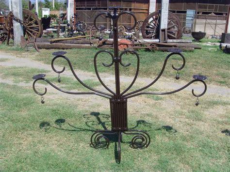 candelabro gigante candelabro gigante de hierro forjado estilo antiguo