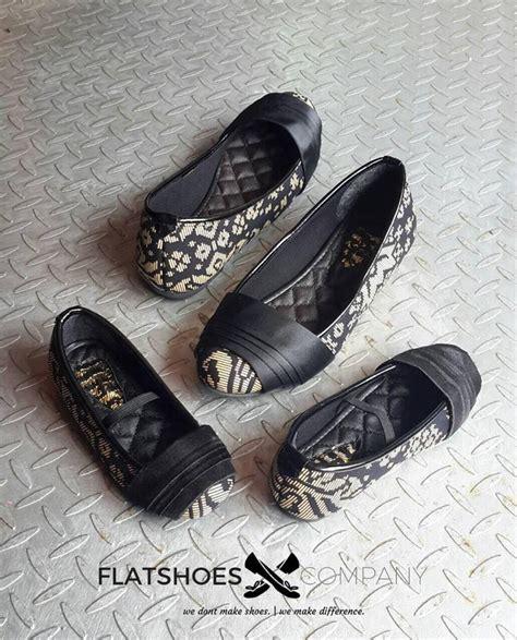 Sepatu Ibu Ibu Sepatu Ibu Dan Anak Ibuhamil