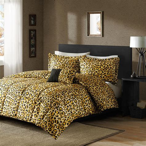 unique bedroom decoration with cheetah print interior