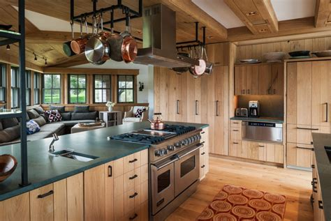 10 Rustic Kitchen Designs That Embody Country Life | 10 rustic kitchen designs that embody country life