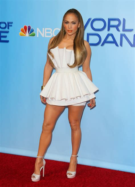 Lope Dress wows in white dress at world of