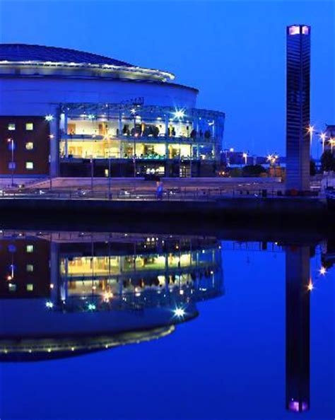 the top 10 things to do near titanic pub and kitchen belfast