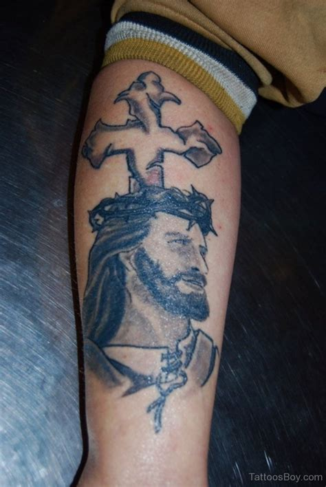 jesus tattoo on his thigh christian tattoos tattoo designs tattoo pictures page 8