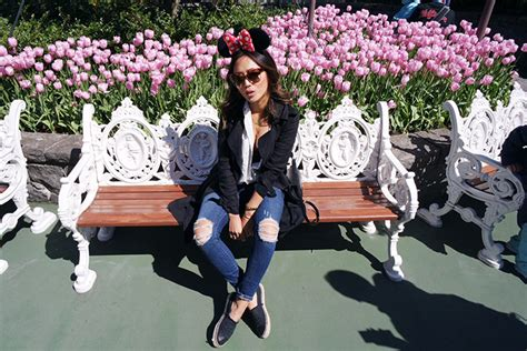 cute comfortable outfits for disneyland tokyo disneyland song of style
