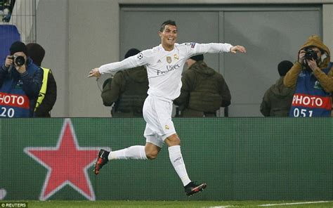 the real madrid way shakhtar donetsk 3 4 real madrid cristiano ronaldo bags a brace as rafa benitez s side survive