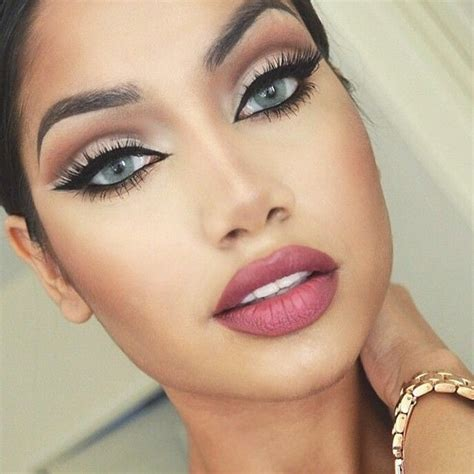 what color looks with what makeup goes with a silver dress quora