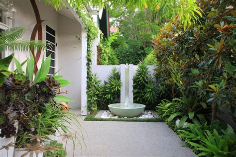 contemporary backyard landscaping ideas modern courtyard landscaping ideas 2012 felmiatika com