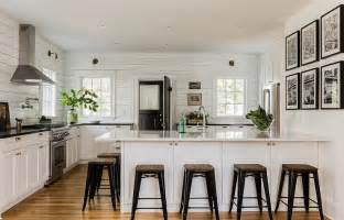 Patrick Ahearn black and white cottage kitchens design ideas