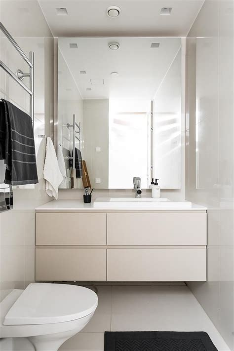 Small Bathroom Ideas On Pinterest by Ideas About Small Bathroom Designs On Pinterest Small