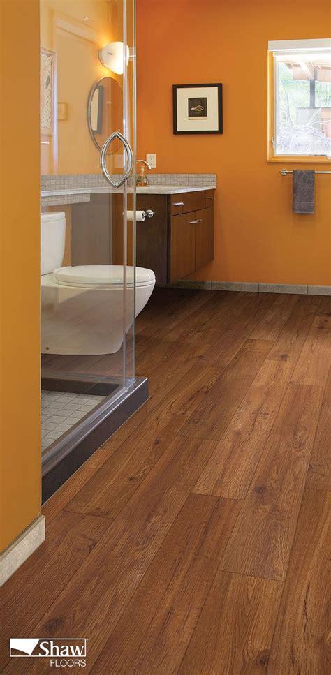laminate wood flooring in bathroom best 25 waterproof laminate flooring ideas on pinterest