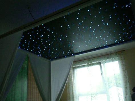 sternenhimmel beleuchtung sternenhimmel schlafzimmer eindrucksvolle sternenhimmel