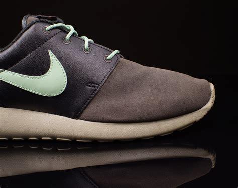 Nke Roserun Black Sneaker Premium nike roshe run premium quot black pine midnight fog enamel