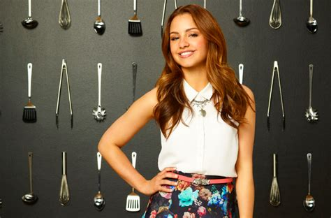 theme song young and hungry season 2 exclusive aimee carrero talks young hungry season 2