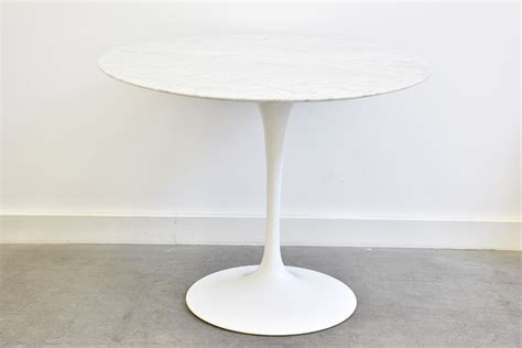 table knoll tulipe prix saarinen table tulipe en marbre knoll lausanne suisse