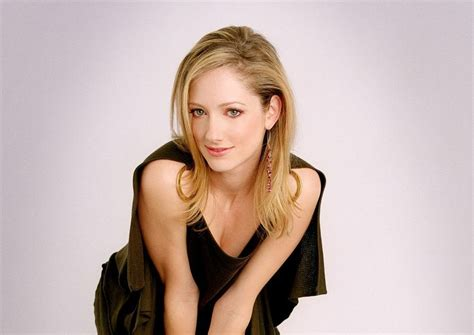 judy greer young young sexy female lying down on sofa photo 171 adult only