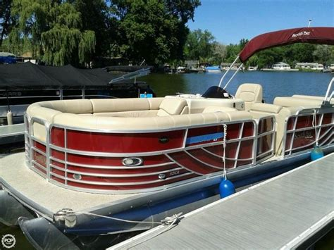 small pontoon boats for sale illinois best 25 pontoon boats for sale ideas on pinterest