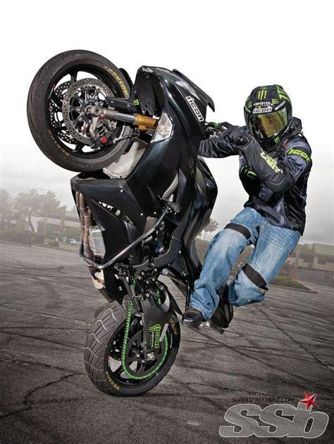 best motorcycle stunts 25 best ideas about stunt bike on sport bikes