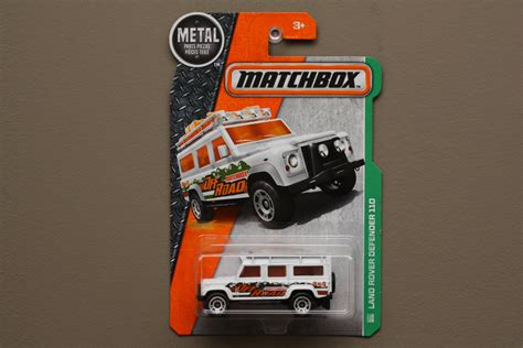 matchbox land rover defender 110 white matchbox 2016 mbx explorers land rover defender 110 white