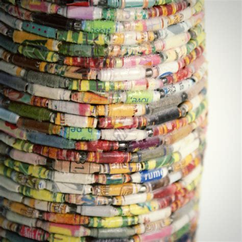 Paper Bead Crafts - recycled crafts using magazine pages