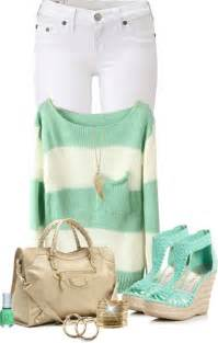 Summer outfit ideas latest cute street style trend on fashion blog