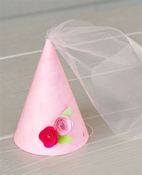 How To Make A Princess Hat Out Of Paper - best 25 princess hat ideas on dress up boxes