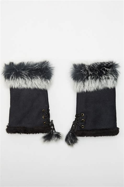 Faux Fur Trim Fingerless Gloves   Just £5