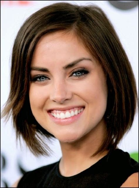 bobshortthinhair squareface lena hoschek top 20 short hairstyles for oval faces 2014