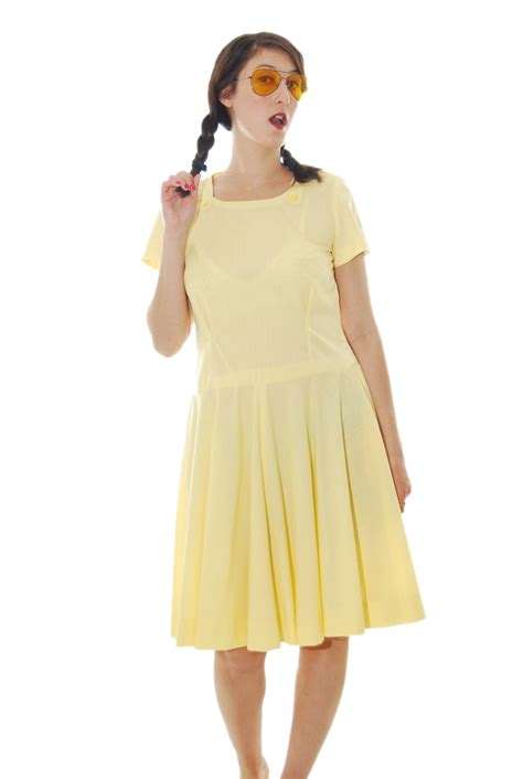 yellow feminine vintage dress for 1970s shpirulina