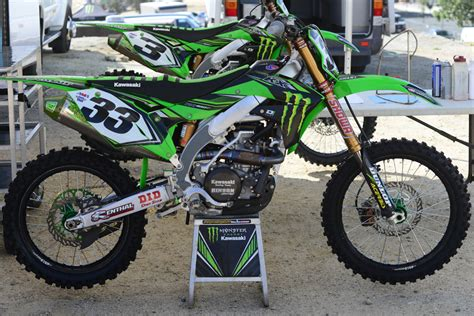 pro motocross bikes friday wrap up a 2 stroke national warm up dirt