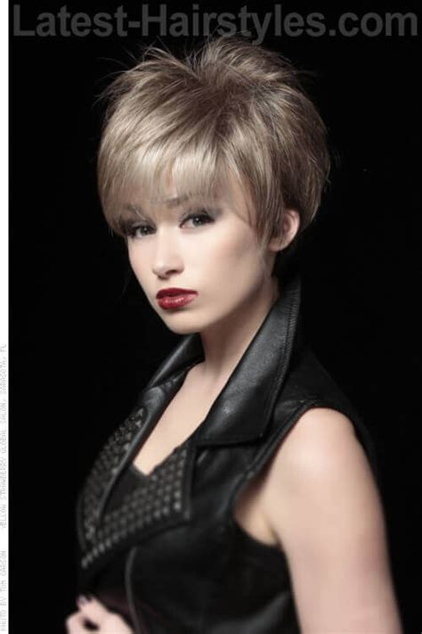 crop haircut with crown volume bob hairstyles with volume at crown