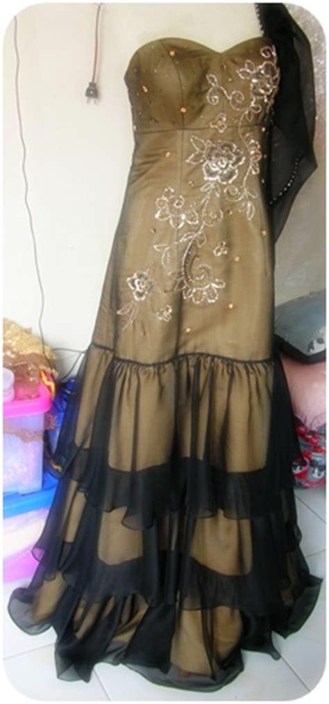 Kebaya Mano Tosca model gaun pesta brokat dan gaun sifon