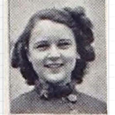 young betty white images pictures findpik betty white at 17 best images about betty white on pinterest the golden