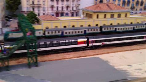 treni porta genova treno svizzero delle sbb a porta genova con la panoramica