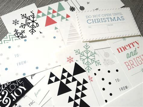 diy holiday gift wrap ideas printable tags