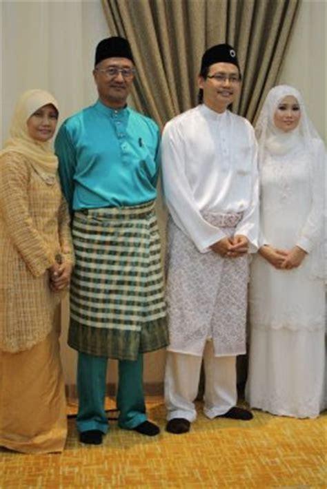 Baju Melayu Hitam Emas plan reception nikah kamek duak tek wedding attire
