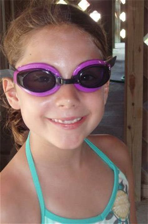 scuba masks and swim goggles