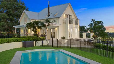 Picturesque setting and residence   Hawkesbury Gazette