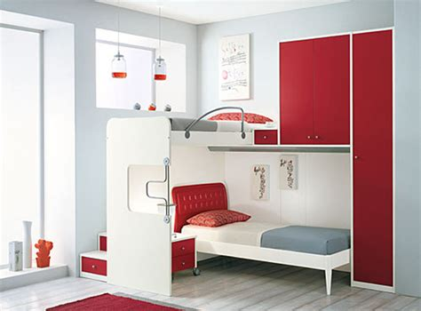 With the small bedroom and to not look obstructive but impressive