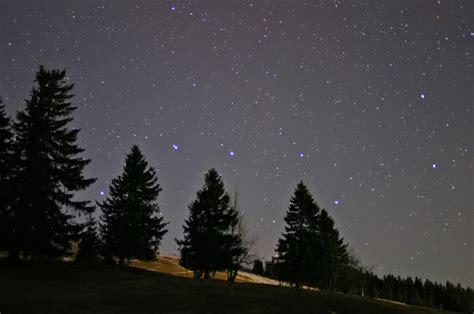 der kleine wagen sterne das sternbild gro 223 er wagen 252 ber der winterlandschaft des