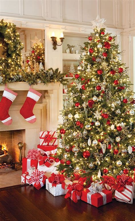 traditional home christmas decorating 25 best ideas about traditional christmas tree on pinterest