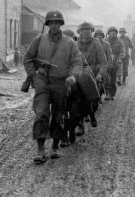infantry section and platoon in battle 1000 images about second world war on pinterest d day