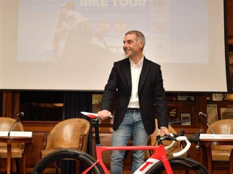 i bike testo bike tour a gubbio sulla scia di federico da montefeltro